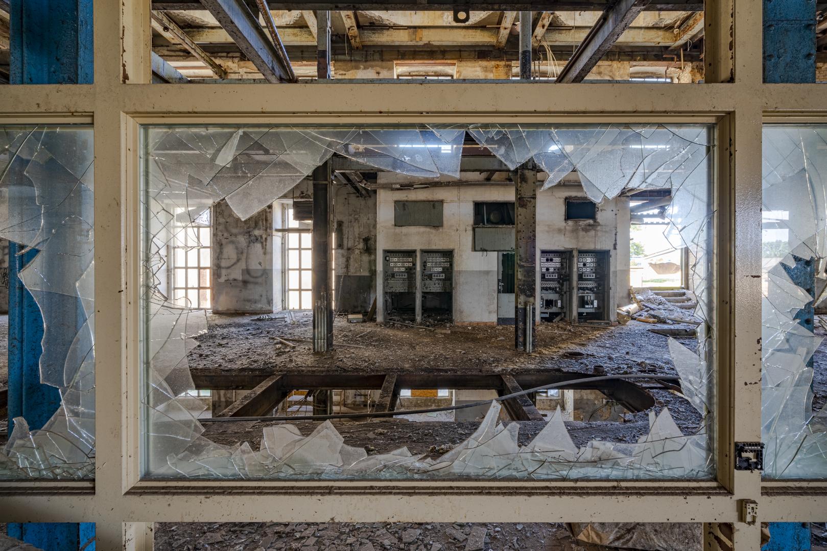 Lost Places Fotografie Fabrik Wien von Fotograf Michael Pinzolits
