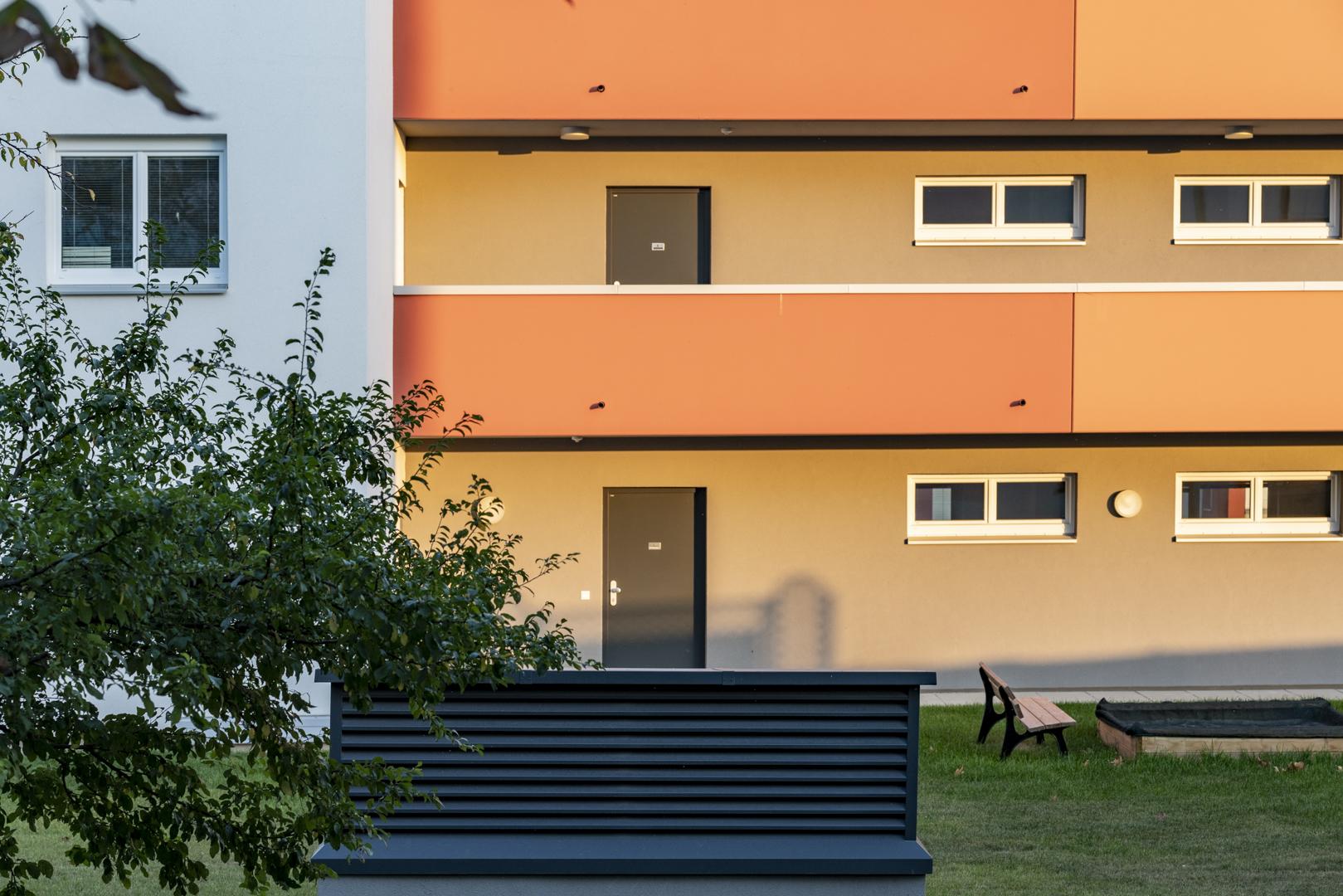 Immobilienfotografie Außenaufnahme Wohnungen von Fotograf Michael Pinzolits