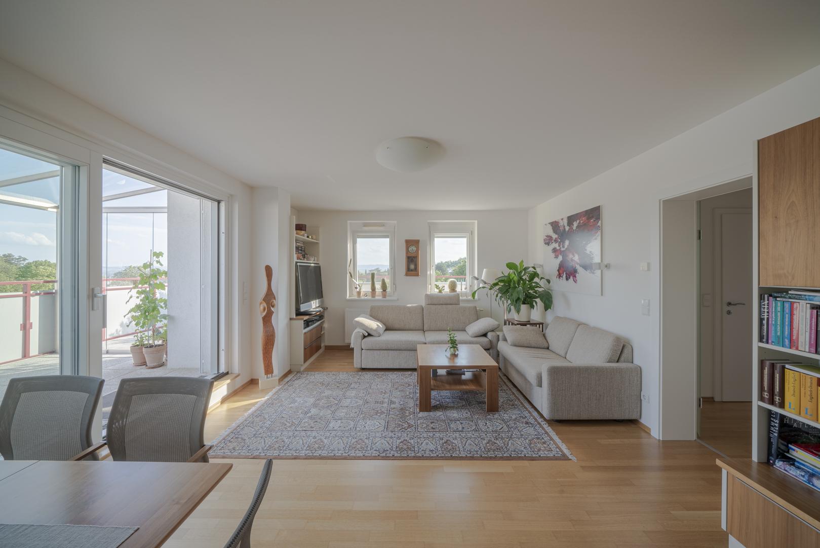 Immobilienfotografie Wohnung Wohnraum von Fotograf Michael Pinzolits